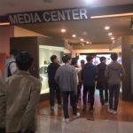 미디어센터 투어 장면